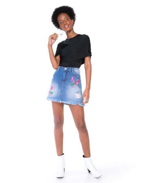 saia-jeans-curta-com-bordado